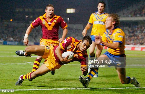Amos Roberts of Country crosses for a try during the NRL City Vs Country match played at Express Advocate Stadium May 7 2004 in Gosford Australia