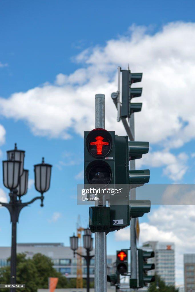 Ampelmann ist das Symbol auf Fußgänger Signale in Deutschland gezeigt : Stock-Foto