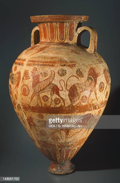 Amphora by the Bearded Sphinx Painter EtruscoCorinthian pottery from the tomb of the Bearded Sphinx Painter Vulci Etruscan Civilisation 610600 BC...