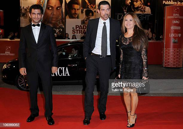 Amr Waked Alessandro Gassman and Sabrina Knaflitz attend the 'Il Padre E Lo Straniero' premiere during the 5th Rome International Film Festival on...