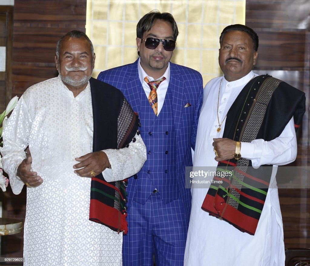 Amritsar based Padma Shri Puran Chand Wadali and Pyare Lal Wadali along with notable lyricist OF Punjabi Music Industry Kala Nizampuri during release.