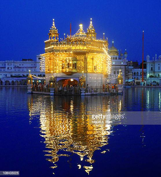 amritsar - golden temple - punjab india stock pictures, royalty-free photos & images