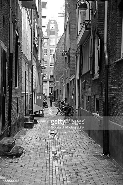 アムステルダム: 路地&ホワイト、ブラック