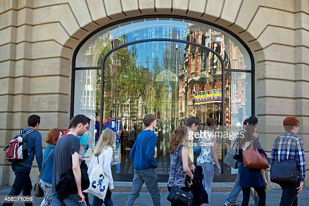 amsterdam apple store - big tech stock pictures, royalty-free photos & images