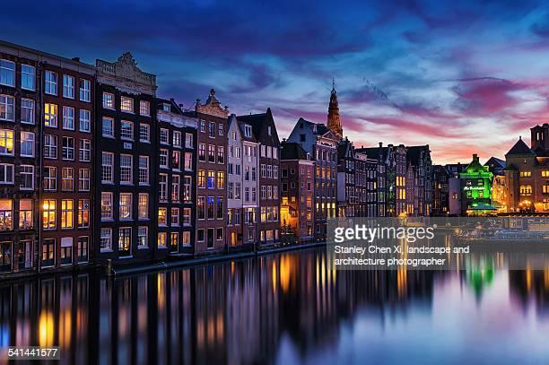 amsterdam canals - amsterdam photos et images de collection
