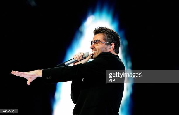 British singer George Michael performs during a concert in Amsterdam 26 June 2007 AFP PHOTO / ANP PHOTO / EVERT ELZINGA