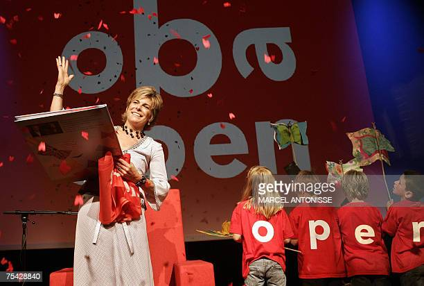 TO GO WITH AFP PHOTO BY GERALD DE HEMPTINNE Netherland's Princess Laurentien inaugurates the new OBA library in Amsterdam 07 July 2007 AFP PHOTO /...