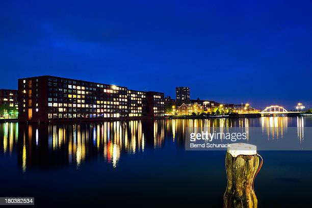 amsterdam reflections - bernd schunack stockfoto's en -beelden
