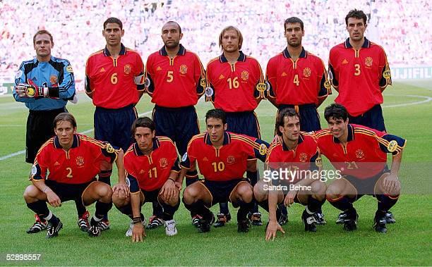 EURO 2000 Amsterdam SLOWENIEN SPANIEN 12 MANNSCHAFTSFOTO/TEAMFOTO SPANIEN/ESP hintere Reihe vlks TORWART Santiago CANIZARES Fernando HIERRO ABELARDO...
