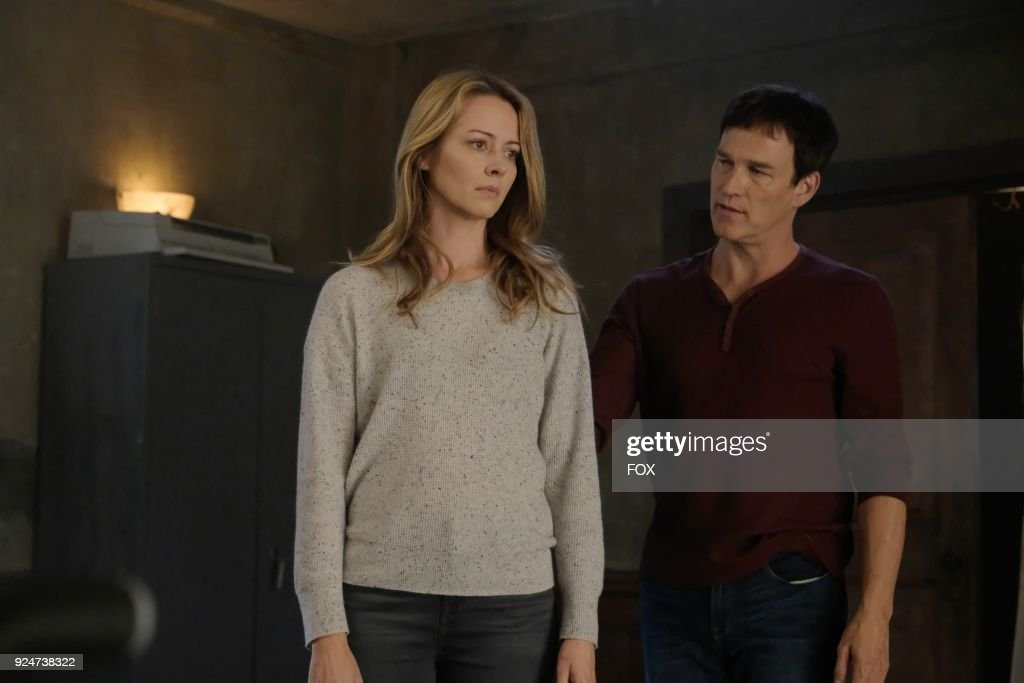 Amy Acker and Stephen Moyer in the second part of the eXtraction/X-roads two-hour season finale of THE GIFTED airing Monday, Jan. 15 (8:00-10:00 PM ET/PT) on FOX.