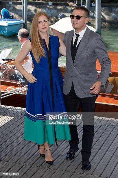 27c5ab1970 Amy Adam and Jeremy Renner arrive at Lido during the 73rd Venice Film  Festival on September