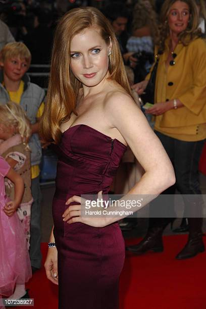 Amy Adams arrives at the Enchanted premiere at the Odeon West End on October 20 2007 in London England