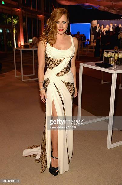Amy Adams attends the 2016 Vanity Fair Oscar Party Hosted By Graydon Carter at the Wallis Annenberg Center for the Performing Arts on February 28...