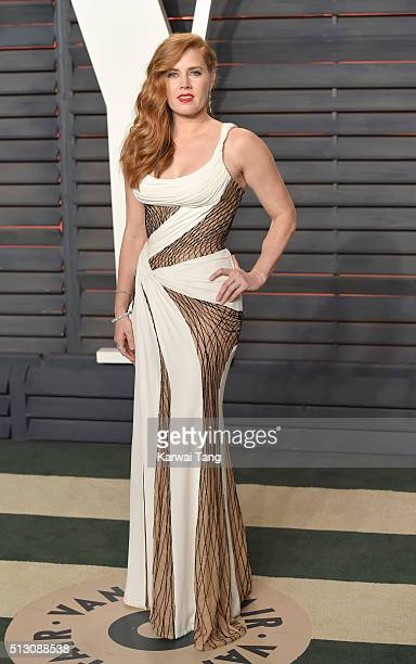 Amy Adams attends the 2016 Vanity Fair Oscar Party Hosted By Graydon Carter at Wallis Annenberg Center for the Performing Arts on February 28 2016 in...