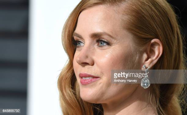 Amy Adams attends the 2017 Vanity Fair Oscar Party hosted by Graydon Carter at Wallis Annenberg Center for the Performing Arts on February 26 2017 in...