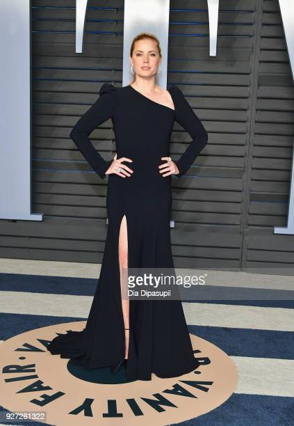 Amy Adams attends the 2018 Vanity Fair Oscar Party hosted by Radhika Jones at Wallis Annenberg Center for the Performing Arts on March 4 2018 in...