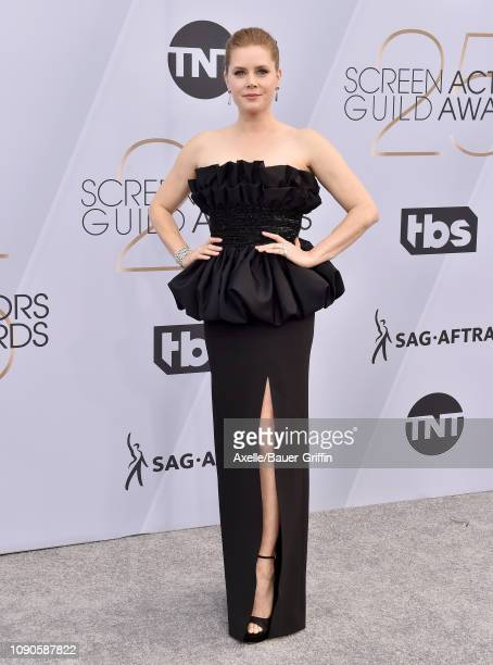 Amy Adams attends the 25th Annual Screen Actors Guild Awards at The Shrine Auditorium on January 27, 2019 in Los Angeles, California.