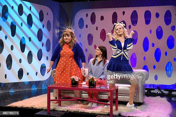 LIVE Amy Adams Episode 1672 Pictured Aidy Bryant as Morgan Cecily Strong as Kira and Amy Adams as Megan CarterCasgrove during the Girlfriends Talk...