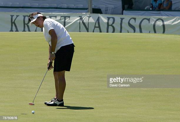 Amy Alcott of the USA just fails for birdie at the par 5 18th hole during the second round of the 2007 Kraft Nabisco Championship held at Mission...