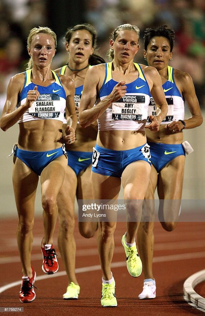 Amy Begley runs ahead of Shalene Flanagan in the women's 10,000 meter final during day one of the U.S. Track and Field Olympic Trials at Hayward Field on June 27, 2008 in Eugene, Oregon. They will compete for the United States at the Olympic Games in Beijing, China.