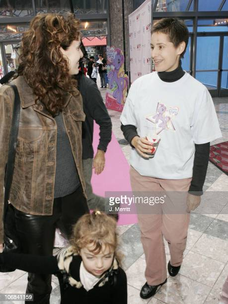 Amy Brenneman and Jenny Isaacson of the Starlight Starbright Children's Foundation