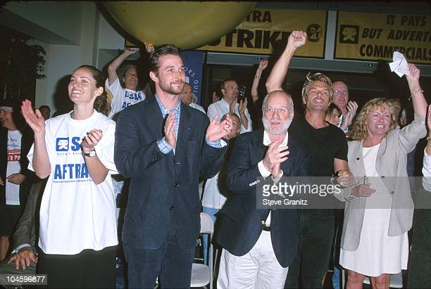 Amy Brenneman Noah Wyle Richard Dreyfuss and Harry Hamlin