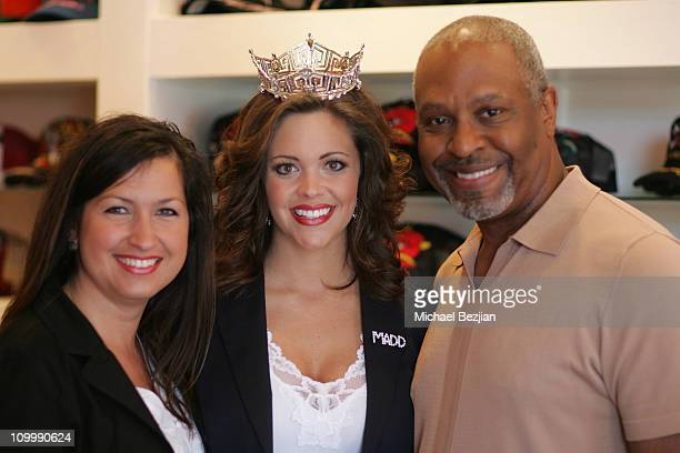 Amy George Jennifer Berry and Jim Pickens during Miss America Jennifer Berry The Reality Cares Foundation and Ed Hardy Shopping Benefit for MADD May...