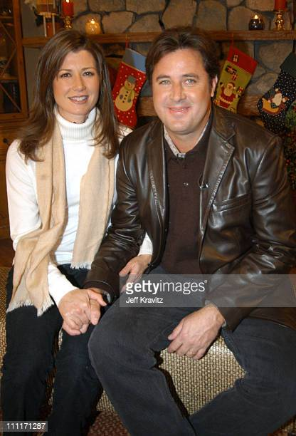 """Amy Grant and Vince Gill during Nick at Nite Celebrates the Holiday Season with """"The Nick at Nite Holiday Special"""" Airing on Friday, Nov. 28 at CBS..."""