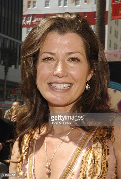 Amy Grant attends the unveiling of her star on The Hollywood Walk of Fame September 19 2006 in Hollywood California
