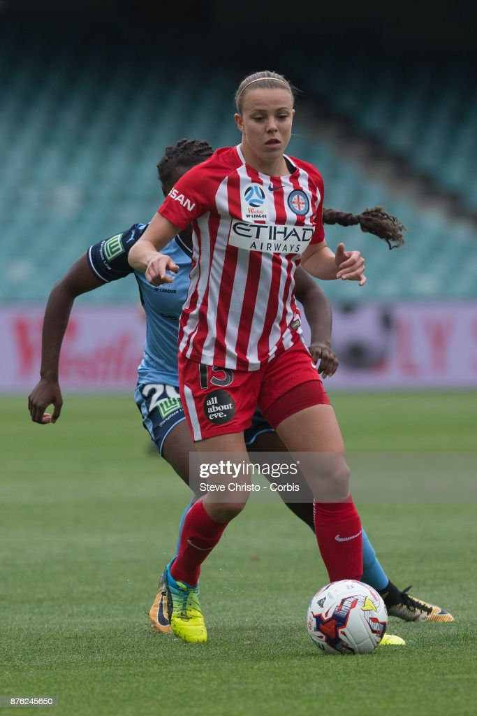 Amy Jackson of the Melbourne City gets past Sydney's Princess Ibini-Isei during the round four W-League match between Sydney FC and Melbourne City FC at Allianz Stadium on November 18, 2017 in Sydney, Australia.