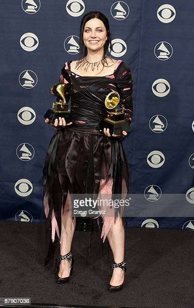 Amy Lee of Evanescence winner of Best New Artist and Best Hard Rock Performance