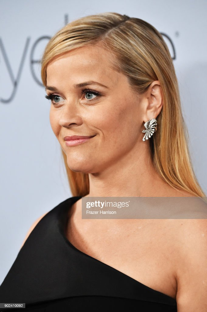 Amy Poehler attends the 19th Annual Post-Golden Globes Party hosted by Warner Bros. Pictures and InStyle at The Beverly Hilton Hotel on January 7, 2018 in Beverly Hills, California.