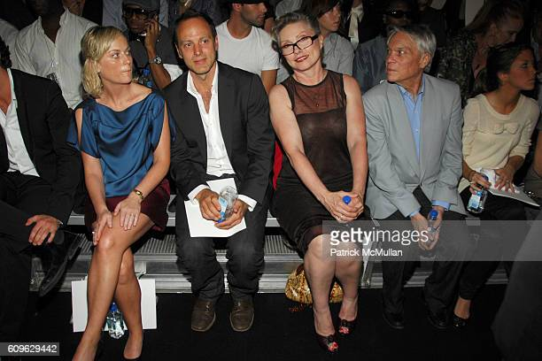 Amy Poehler Debbie Harry John Reinhold and attend MARC JACOBS Spring 2008 Collection at The New York State Armory on September 10 2007 in New York...