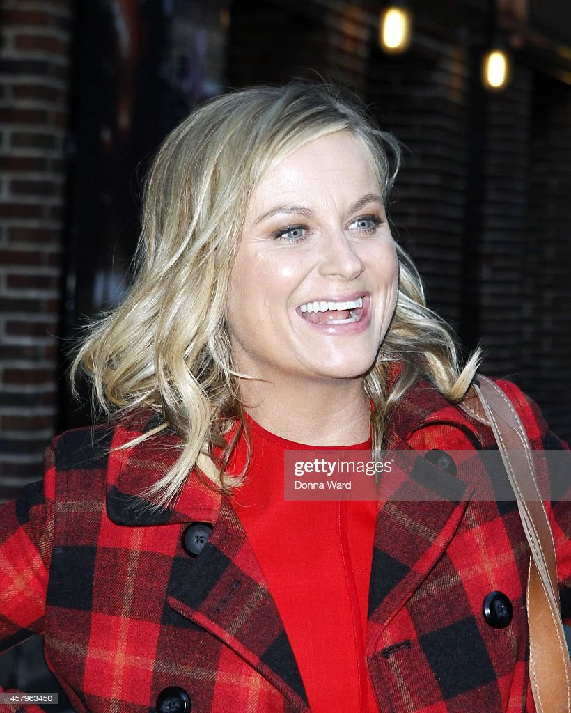 Amy Poehler leaves the 'Late Show with David Letterman' at Ed Sullivan Theater on October 27, 2014 in New York City.