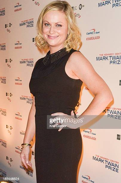 Amy Poehler poses on the red carpet during The 16th Annual Mark Twain Prize For American Humor at John F Kennedy Center for the Performing Arts on...