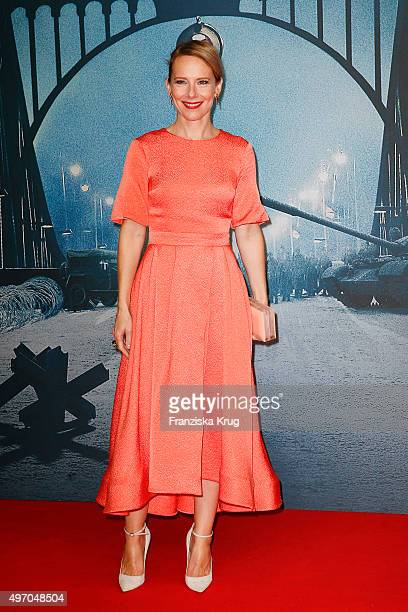 Amy Ryan attends the 'Bridge of Spies Der Unterhaendler' World Premiere on November 13 2015 in Berlin Germany