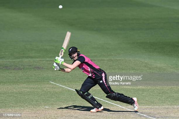 Amy Satterthwaite of New Zealand bats during game two of the T20 Women's International series between Australia and New Zealand at Allan Border Field...