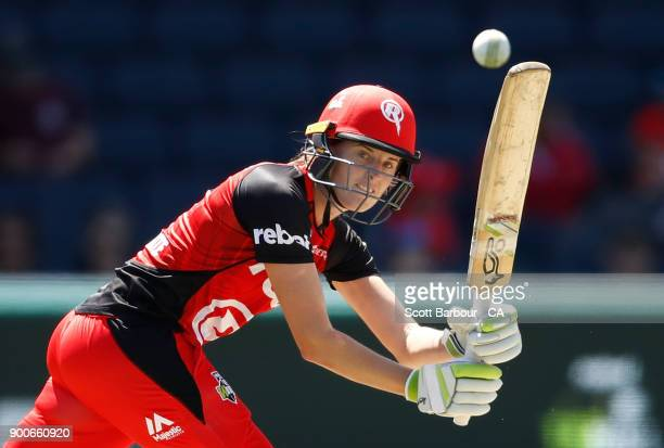 Amy Satterthwaite of the Renegades bats during the Women's Big Bash League match between the Melbourne Renegades and the Sydney Sixers at Simonds...