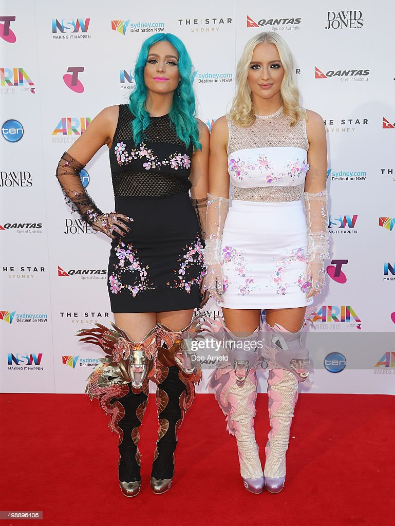 Amy Sheppard and Emma Sheppard arrive for the 29th Annual ARIA Awards 2015 at The Star on November 26, 2015 in Sydney, Australia.