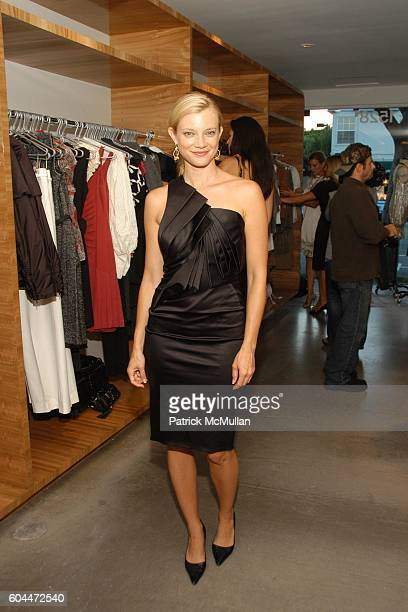 Amy Smart attends Opening of AURA hosted by Kristin Eberts and Amy Smart at Los Angeles on August 16 2006