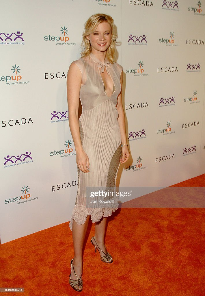Amy Smart during Step Up Women's Network Inspiration Awards Sponsored by Escada - Arrivals at Beverly Hilton Hotel in Beverly Hills, California, United States.