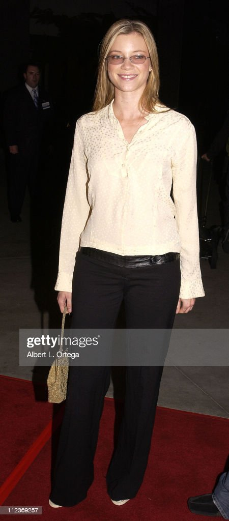 Amy Smart during 'The Lord Of The Rings: The Two Towers' Los Angeles Premiere - Arrivals at Cinerama Dome Theatre in Hollywood, California, United States.