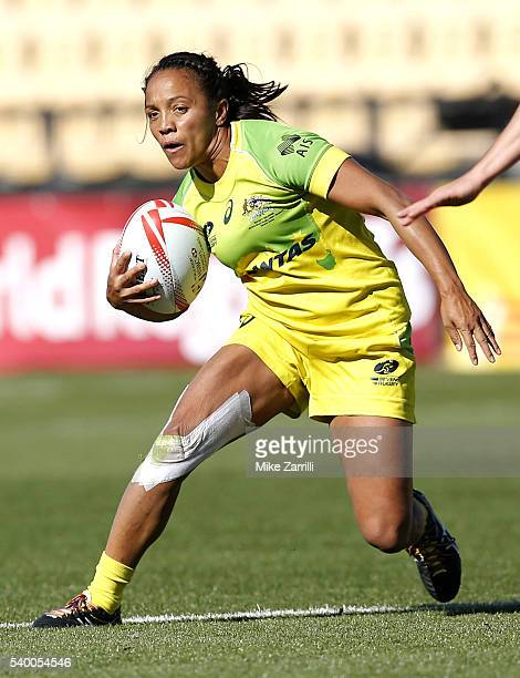 Amy Turner of Australia runs with the ball during the Final match against New Zealand at Fifth Third Bank Stadium on April 9 2016 in Kennesaw Georgia