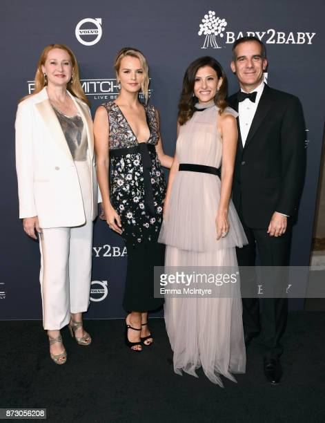 Amy Wakeland Baby2Baby CoPresidents Kelly Sawyer Patricof and Norah Weinstein and Eric Garcetti attend The 2017 Baby2Baby Gala presented by Paul...