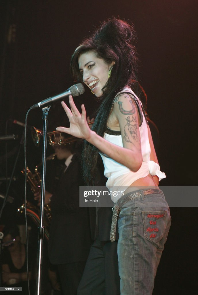 Amywinehouse is gay