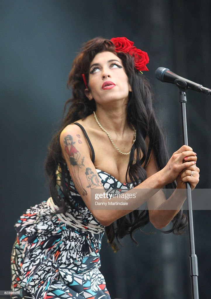Amy Winehouse performs on day two of the V Festival at Hylands Park on August 17, 2008 in Chelmsford, England.