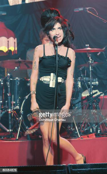 PARIS FEBRUARY 29 Amy Winehouse performs on stage at the Fendi Paris Store Reopening at Avenue Montaigne on February 29 2008 in Paris France