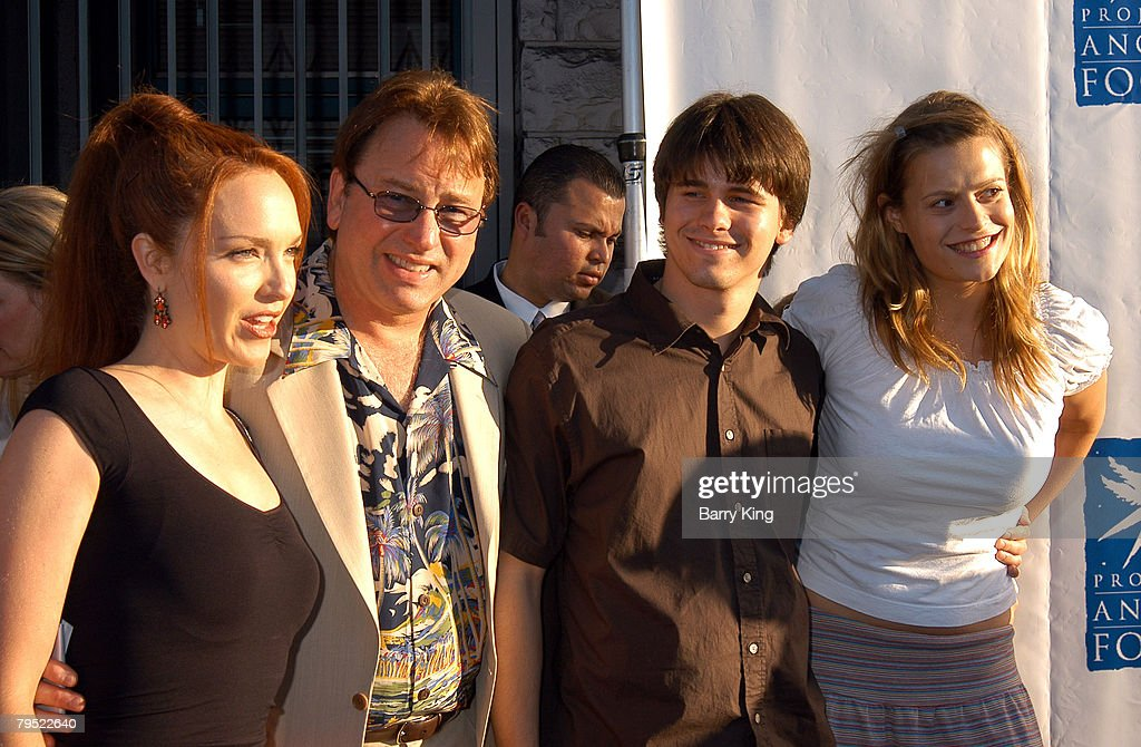 2003 Angel Awards Presented by Project Angel Food Honors Anjelica Huston : News Photo
