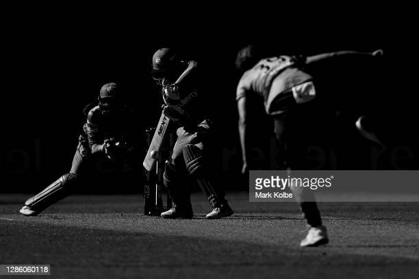 Amy Yates of the Renegades bats during the Women's Big Bash League WBBL match between the Melbourne Stars and the Melbourne Renegades at GIANTS...