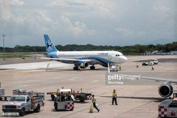 abc aerolineas sa interjet stock photos and pictures